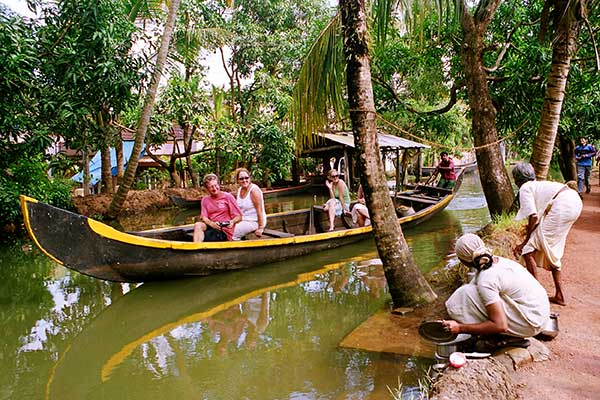Kerala Tourism | Alleppey Backwaters | The Travel Planners