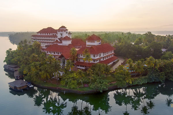 Kerala Cultural Tour | Backwater attractions in Kollam | The Travel Planners